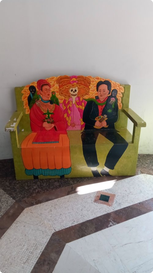 Come, sit on my knees: Frida and Diego